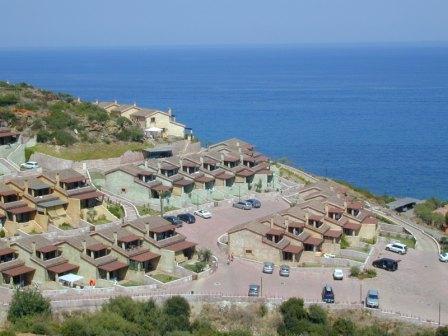 Holiday residence sant elmo porto corallo residence in for Residence in sardegna