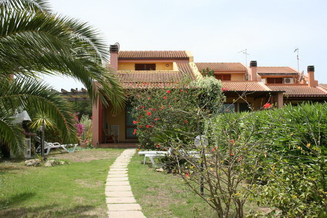 Holiday Residence - Sant´Elmo Porto Corallo - Residence in ...